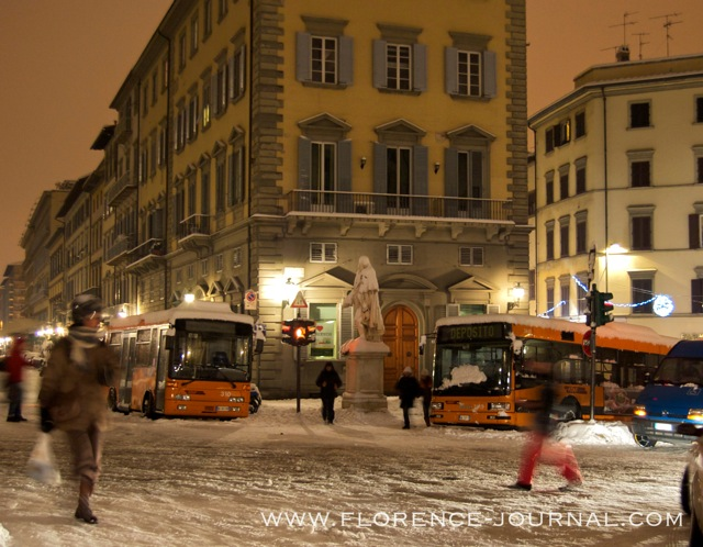 Buses-stuck-in-snow